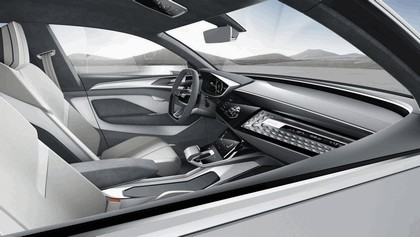 2017 Audi e-tron Sportback concept 26