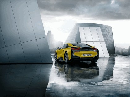 2017 BMW i8 Frozen yellow edition 8