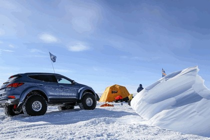 2017 Hyundai Santa Fe Endurance - Antarctica edition 11