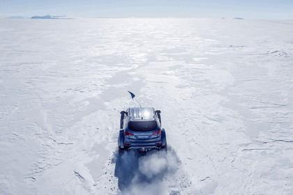 2017 Hyundai Santa Fe Endurance - Antarctica edition 16