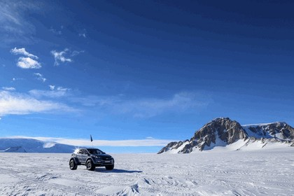 2017 Hyundai Santa Fe Endurance - Antarctica edition 19