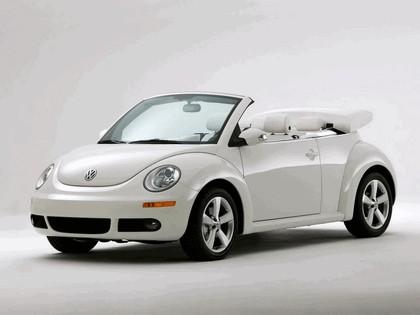 2007 Volkswagen Triple White New Beetle convertible 1
