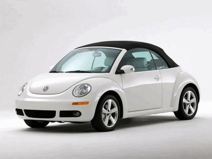 2007 Volkswagen Triple White New Beetle convertible 2