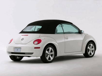 2007 Volkswagen Triple White New Beetle convertible 4