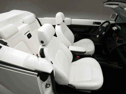 2007 Volkswagen Triple White New Beetle convertible 8