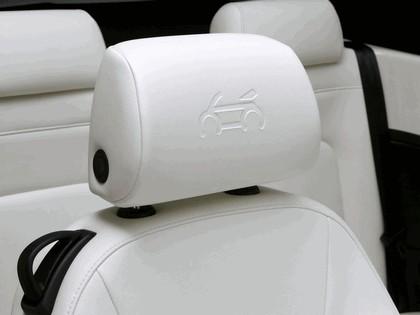 2007 Volkswagen Triple White New Beetle convertible 10