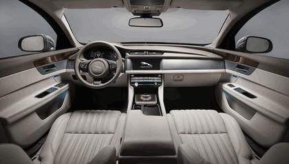 2017 Jaguar XF Sportbrake 20d AWD 27