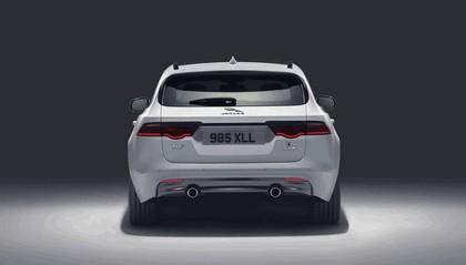 2017 Jaguar XF Sportbrake S AWD 9