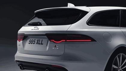 2017 Jaguar XF Sportbrake S AWD 12