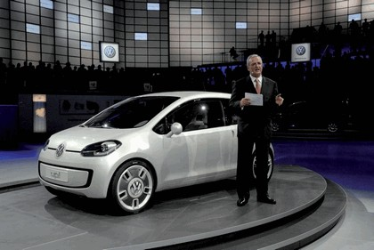 2007 Volkswagen Up concept 26