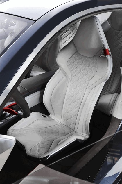 2017 BMW Concept 8 Series 44