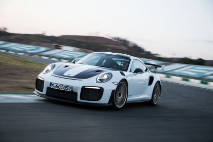 2018 Porsche 911 ( 991 type II ) GT2 RS 17