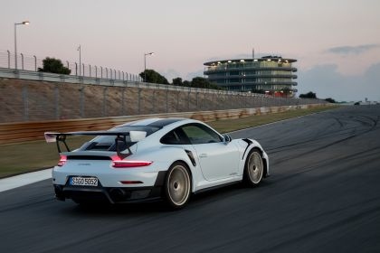 2018 Porsche 911 ( 991 type II ) GT2 RS 31