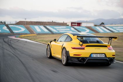 2018 Porsche 911 ( 991 type II ) GT2 RS 212
