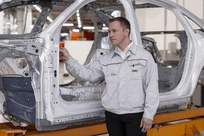2017 Audi A8 38