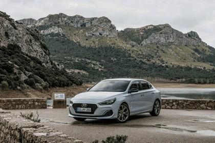 2017 Hyundai i30 Fastback 10