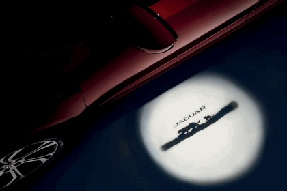 2017 Jaguar E-Pace 39