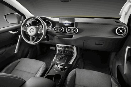 2017 Mercedes-Benz X-Class 9