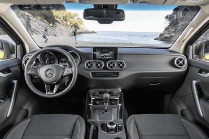 2017 Mercedes-Benz X-Class 41