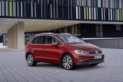 2017 Volkswagen Golf Sportsvan 1