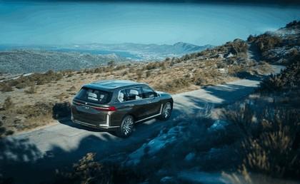 2017 BMW Concept X7 iPerformance 5