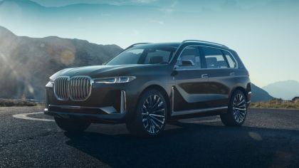 2017 BMW Concept X7 iPerformance 4