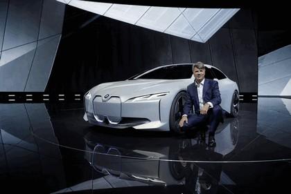 2017 BMW i Vision Dynamics 32