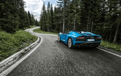 2017 Lamborghini Aventador S Roadster 6