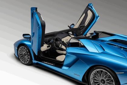 2017 Lamborghini Aventador S Roadster 18