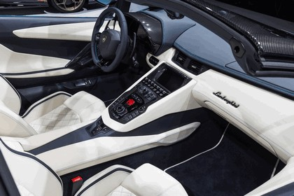 2017 Lamborghini Aventador S Roadster 23