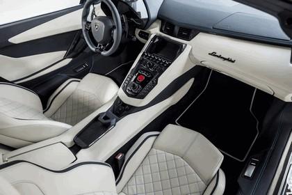 2017 Lamborghini Aventador S Roadster 24