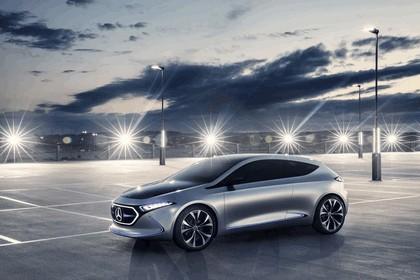 2017 Mercedes-Benz Concept EQA 9