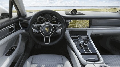 2017 Porsche Panamera Turbo S E-Hybrid Sport Turismo 9