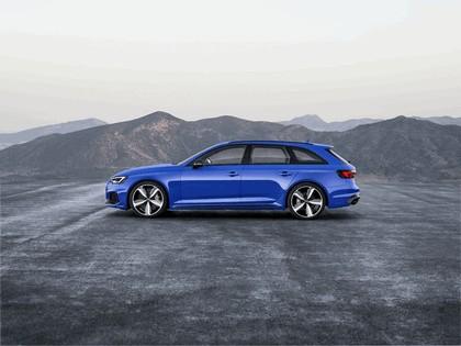 2017 Audi RS 4 Avant 5