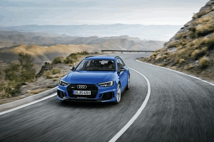 2017 Audi RS 4 Avant 8