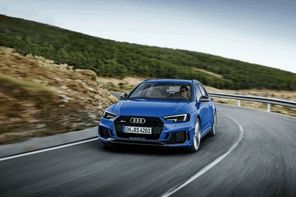 2017 Audi RS 4 Avant 10