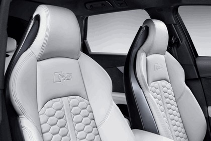 2017 Audi RS 4 Avant 27