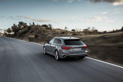 2017 Audi RS 4 Avant 58