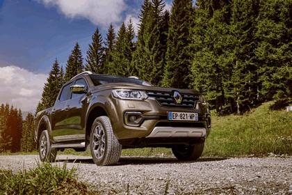 2017 Renault Alaskan 39