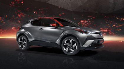 2017 Toyota C-HR Hy-Power concept 5