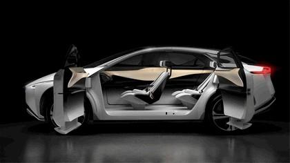 2017 Nissan IMx concept 12