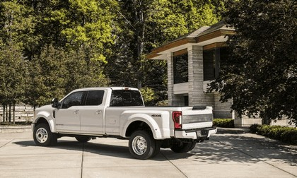 2018 Ford F-350 Super Duty Limited 3