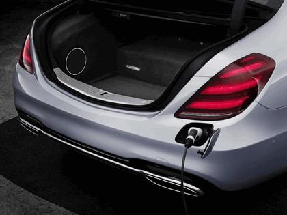 2019 Mercedes-Benz S 560e 7