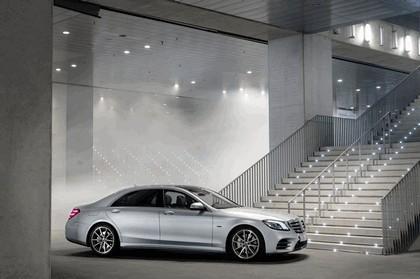 2019 Mercedes-Benz S 560e 12
