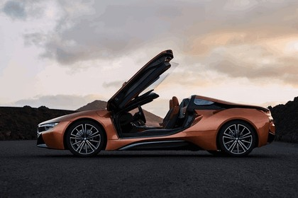 2018 BMW i8 roadster 19