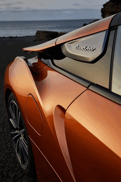 2018 BMW i8 roadster 22