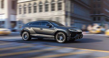 2018 Lamborghini Urus 14