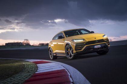 2018 Lamborghini Urus 43