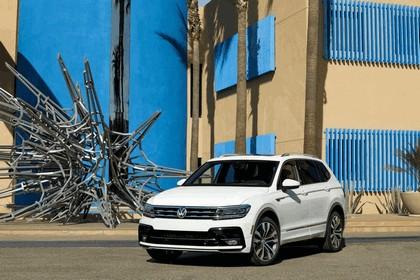 2018 Volkswagen Tiguan R-Line - USA version 2
