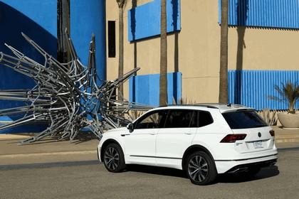 2018 Volkswagen Tiguan R-Line - USA version 4